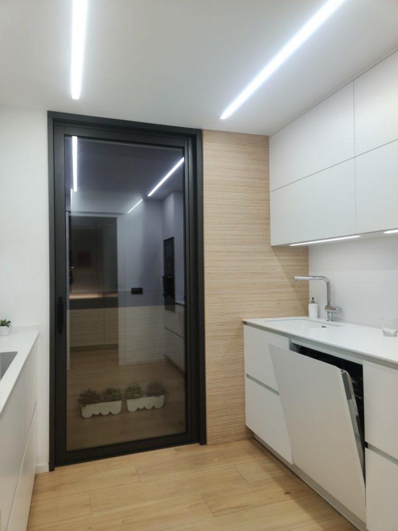 puerta corredera de la aluminio entre tabiques